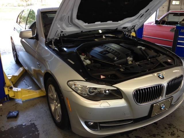BMW 528i 550i F10 service