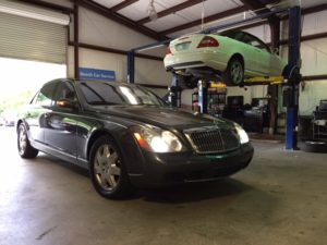 "Maybach 57 getting the ""Keyless Go"" feature fixed and also an issue with the serpentine belt."